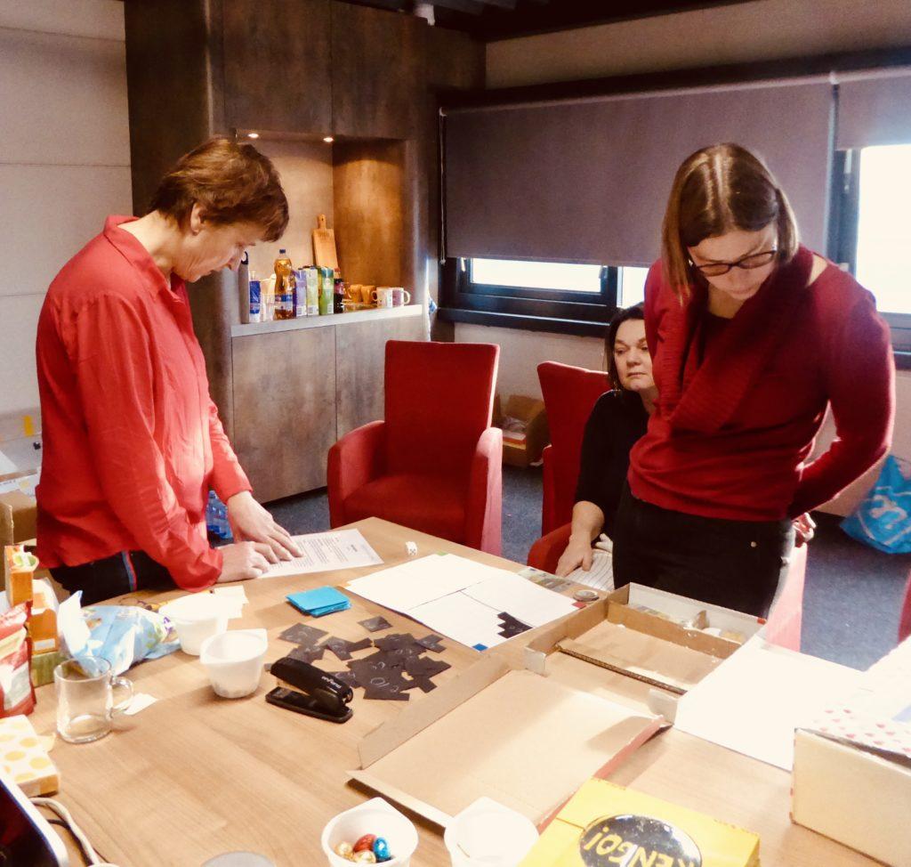 rekenspellenwedstrijd - juryleden Anneke Noteboom en Marije Bakker